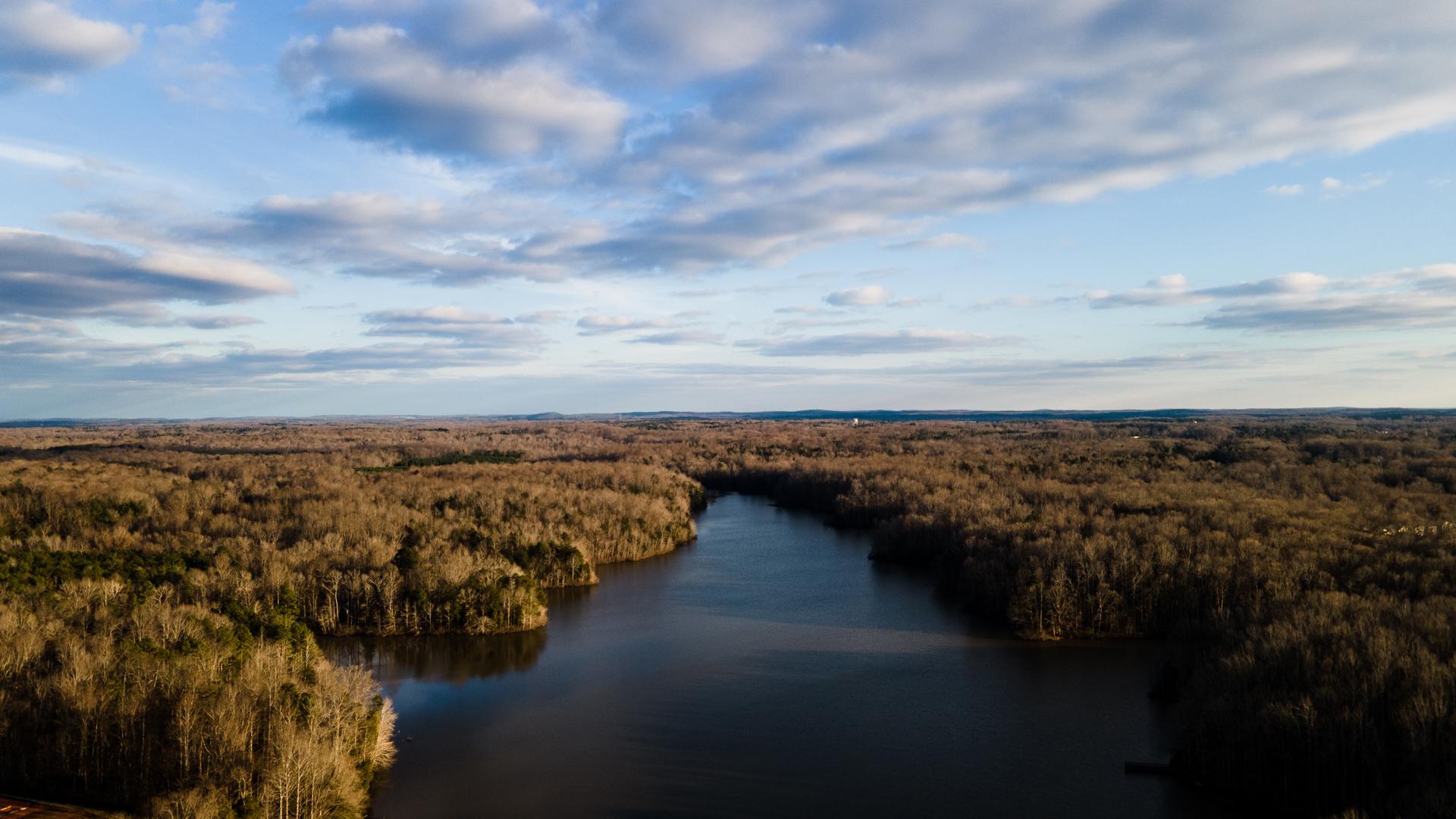 Lake Michael on a winter's day ih Mebane, NC